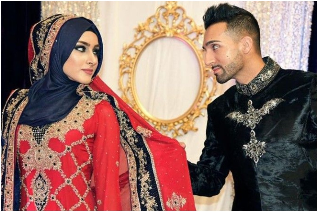 Sham Idrees Wife Froggy Attacked By Mob In Karachi Etrends